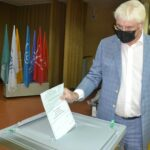 Депутат Чепа в черной маске проголосовал по поправкам в конституцию